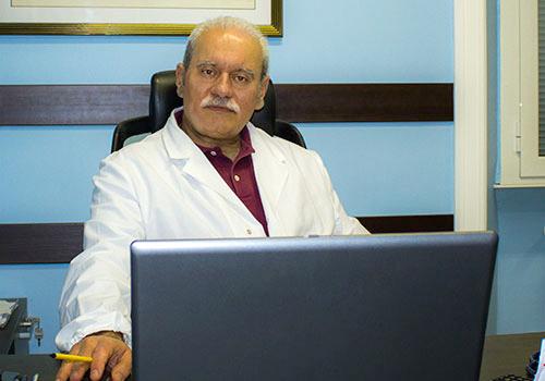Il Dottor Marco Maria Giardina nel suo Studio Medico a Roma